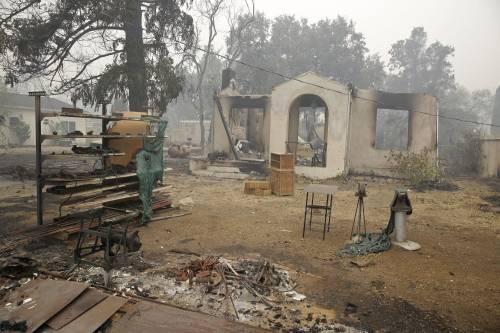 California divorata dalle fiamme. 400 case distrutte 2