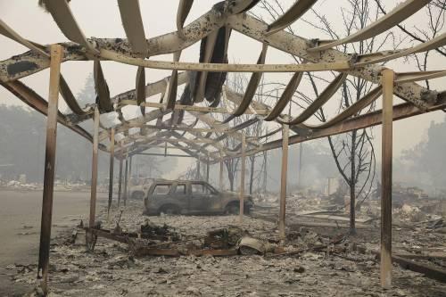 California divorata dalle fiamme. 400 case distrutte 5