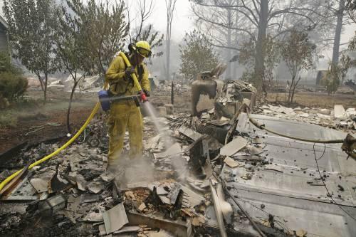 California divorata dalle fiamme. 400 case distrutte 6