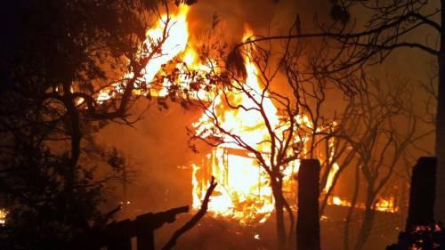 California divorata dalle fiamme. 400 case distrutte 11