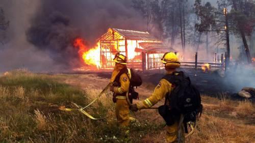 California divorata dalle fiamme. 400 case distrutte 10