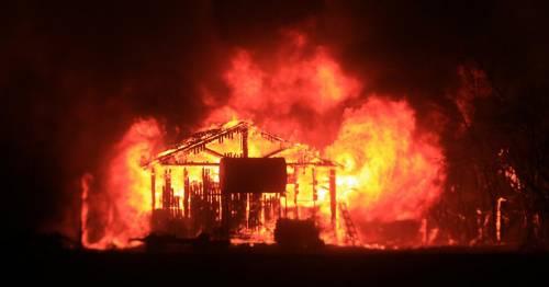 California divorata dalle fiamme. 400 case distrutte 14
