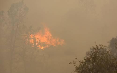 California divorata dalle fiamme. 400 case distrutte 17