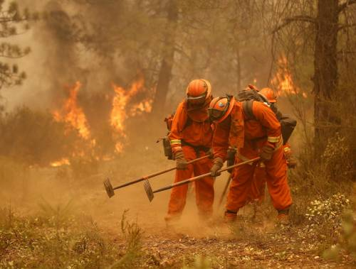 California divorata dalle fiamme. 400 case distrutte 18