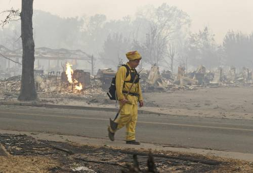 California divorata dalle fiamme. 400 case distrutte 19