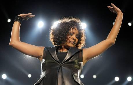 Torna Whitney Houston. Al via il tour mondiale con il suo ologramma
