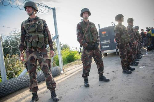 Emergenza immigrazione: l'Ungheria mobilita i riservisti