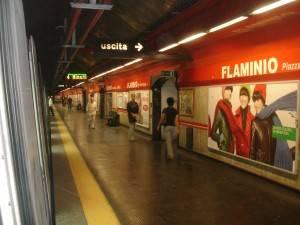Intrappolati di notte nella stazione metro di Roma