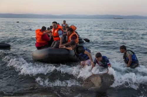 La Grecia ormai è un colabrodo L'esclusione da Schengen è vicina