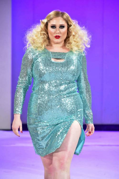 Hayley Hasselhof: la modella curvy più richiesta 9