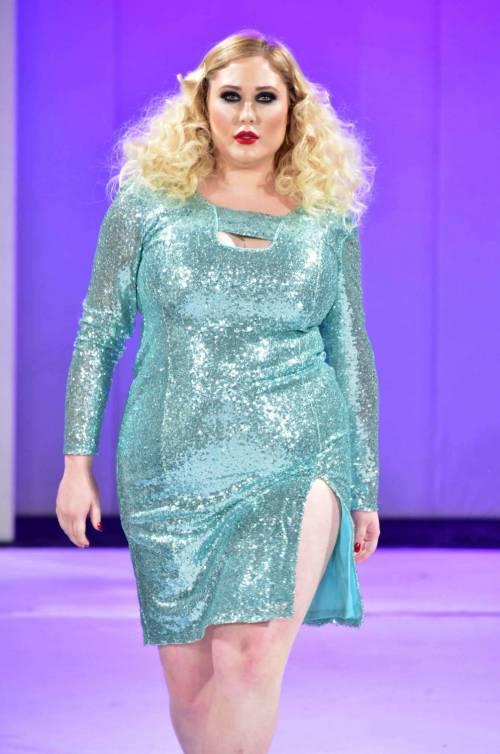 Hayley Hasselhof: la modella curvy più richiesta 7
