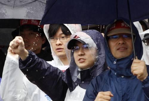 Il Giappone scende in piazza contro il riarmo 3