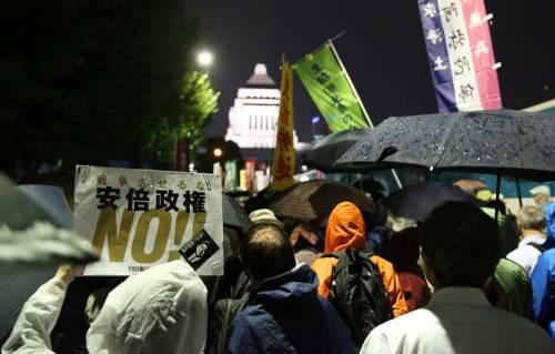 Il Giappone scende in piazza contro il riarmo 7