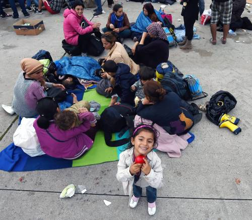Immigrazione, i bimbi in marcia lungo la rotta balcanica 2