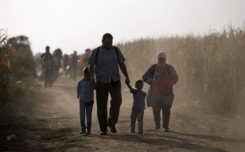 Immigrazione, i bimbi in marcia lungo la rotta balcanica 10
