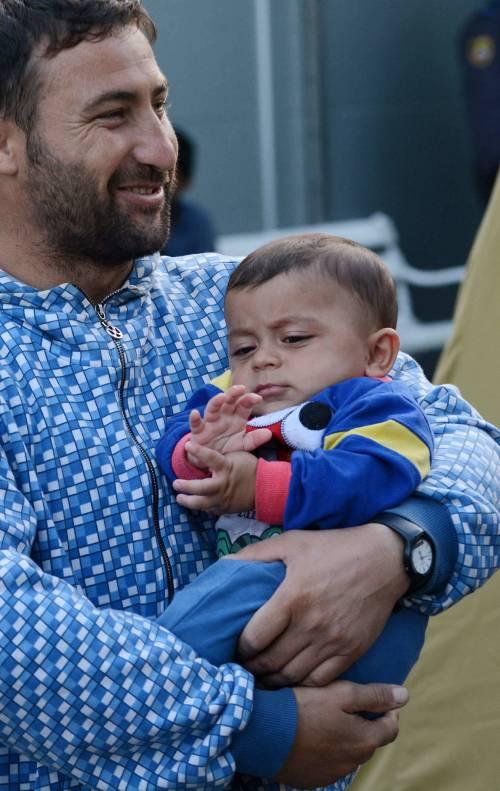 Immigrazione, i bimbi in marcia lungo la rotta balcanica 17