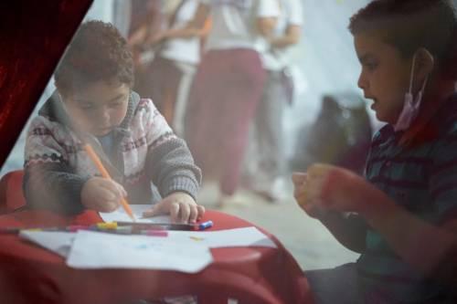 Immigrazione, i bimbi in marcia lungo la rotta balcanica 18