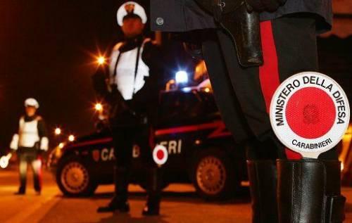 Non si ferma all'alt e investe carabiniere: arrestato
