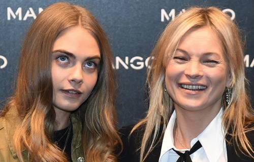 Cara Delevingne e Kate Moss a Milano, folla in delirio 13