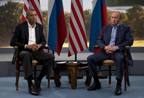 "Putin bombarda il Califfato Obama reagisce: ""Aiuta Assad"""