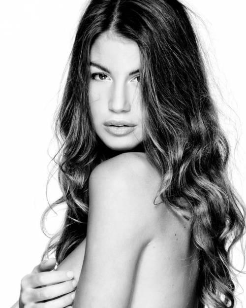 L'ex gieffina Francesca Fioretti 12