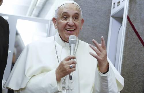 """Rivolta in Vaticano: """"Ora il Papa chiarisca la posizione su gay e divorziati"""""""