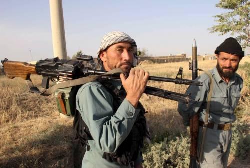 I talebani conquistano Kunduz, bombardamenti Usa sulla città