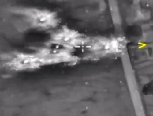 """""""La tempesta di fuoco Uccisi 33 jihadisti Isis"""": parte la Charles De Gaulle"""