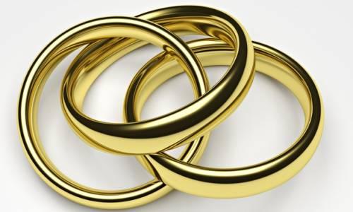 Il Brasile sdogana la poligamia. Tre donne convolano a nozze