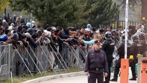 Emergenza profughi, la Slovenia schiera l'esercito e ora il Friuli è a rischio