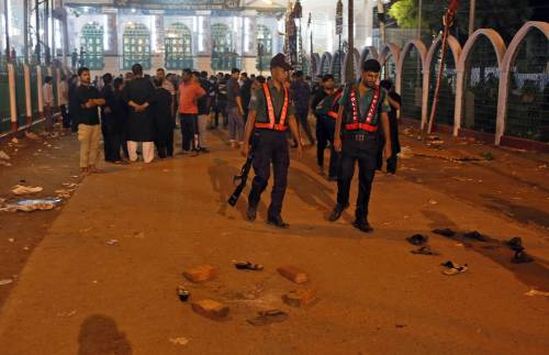 I mussulmani uccidono italiani inermi in Bangladesh 1445688863-1445688826-ansa-20151024063811-15794224