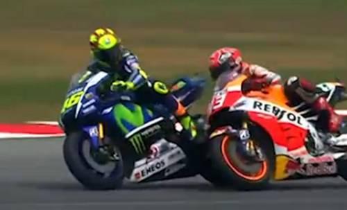 La fotosequenza dello scontro tra Rossi e Marquez 9