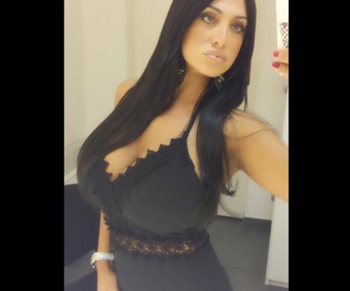 Marika Fruscio nuda e procace su Twitter 14