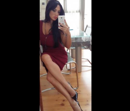 Marika Fruscio nuda e procace su Twitter 10
