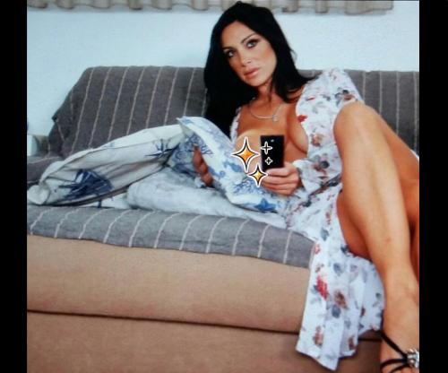 Marika Fruscio nuda e procace su Twitter 31