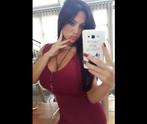 Marika Fruscio nuda e procace su Twitter 35