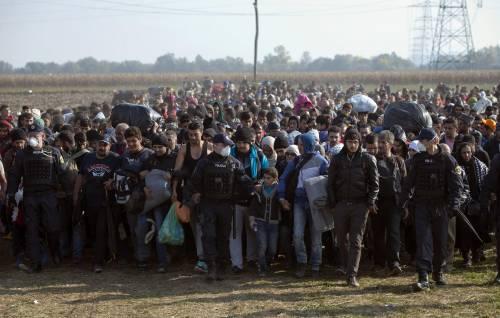 Super summit sui profughi. L'Italia paga il caos tedesco