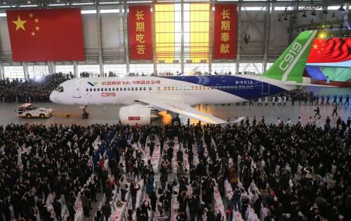 Da oggi la Cina ha un suo aereo di linea 2