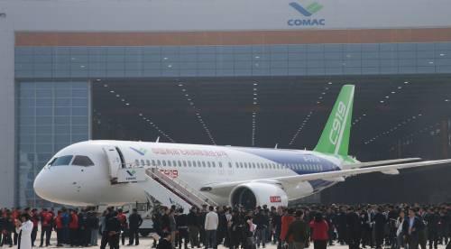 Da oggi la Cina ha un suo aereo di linea 5