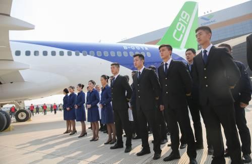 Da oggi la Cina ha un suo aereo di linea 7