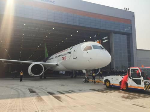 Da oggi la Cina ha un suo aereo di linea 8