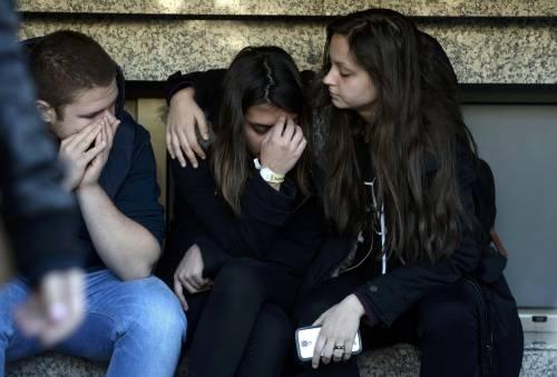 Bucarest, il dolore per le vittime 3