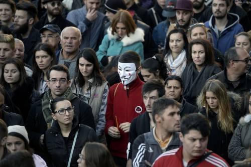 Bucarest, il dolore per le vittime 5