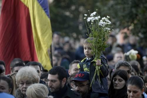 Bucarest, il dolore per le vittime 4