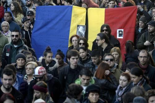 Bucarest, il dolore per le vittime 6