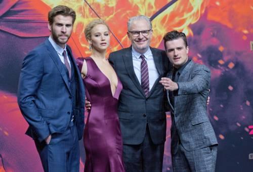Hunger Games: protagoniste senza reggiseno a Berlino 8