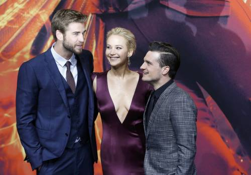 Hunger Games: protagoniste senza reggiseno a Berlino 17