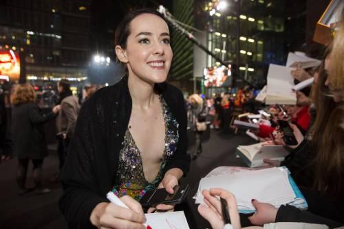 Hunger Games: protagoniste senza reggiseno a Berlino 18