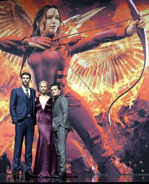 Hunger Games: protagoniste senza reggiseno a Berlino 21