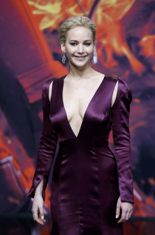 Hunger Games: protagoniste senza reggiseno a Berlino 19